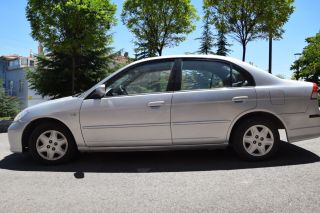 Honda Civic 1.6 VTEC LS Sedan